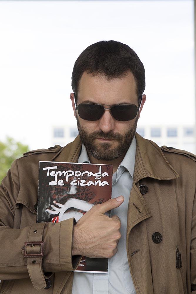 'Temporada de cizaña' de Marcos García Martí ya se puede encontrar en varias librerías valencianas. Foto: Marga Ferrer